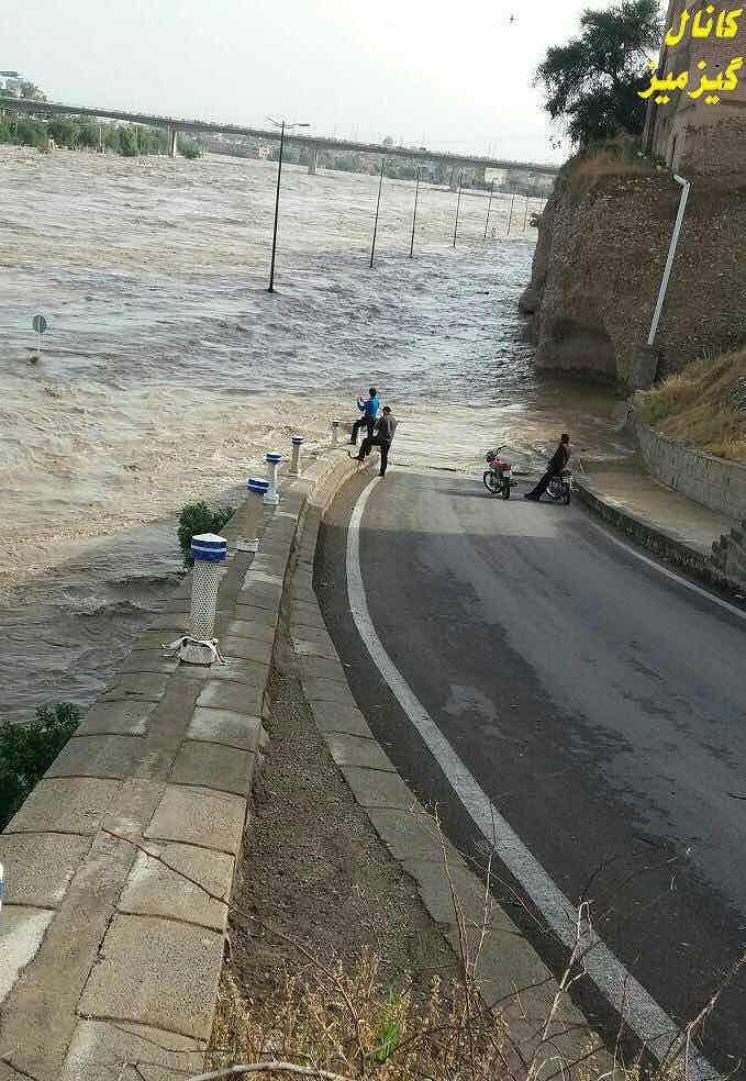 シナから送られてきたイランの洪水写真 (2)